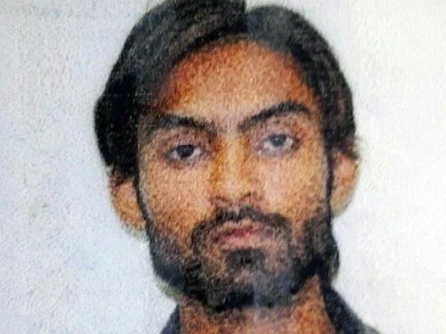 Video : बड़ी खबर : लखनऊ में 12 घंटे चले एनकाउंटर के बाद मारा गया आतंकी