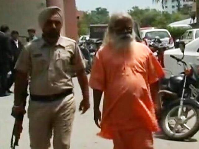 Videos : इंडिया 7 बजे : अजमेर दरगाह ब्लास्ट में असीमानंद बरी