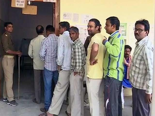 Videos : यूपी का महाभारत : अंतिम दौर में 40 सीटों पर 60 फीसदी से अधिक मतदान