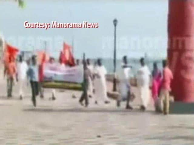 Video : On Women's Day, Moral Police Get Busy In Kerala's Kochi