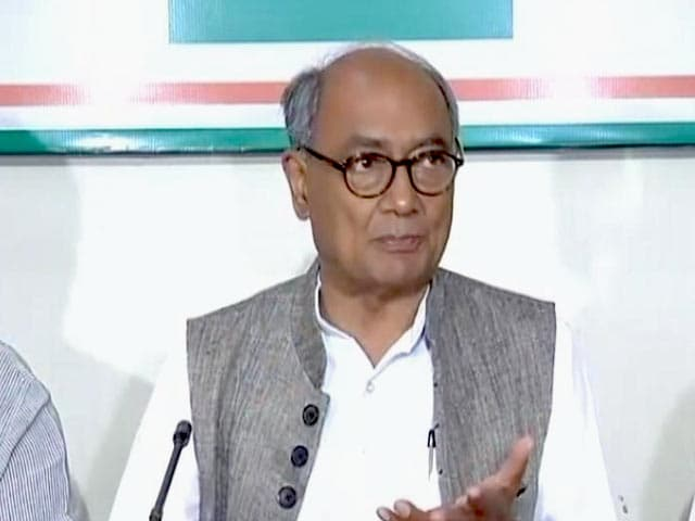 Video : On Manohar Parrikar's Thank You Dig, Digvijaya Singh Alleges 'MLA Shopping'