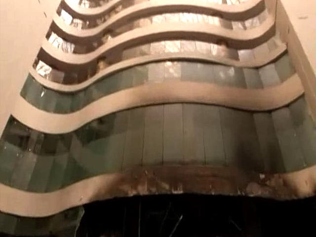 Video : Dhoni, His Jharkhand Teammates Evacuated After Fire At Delhi Hotel