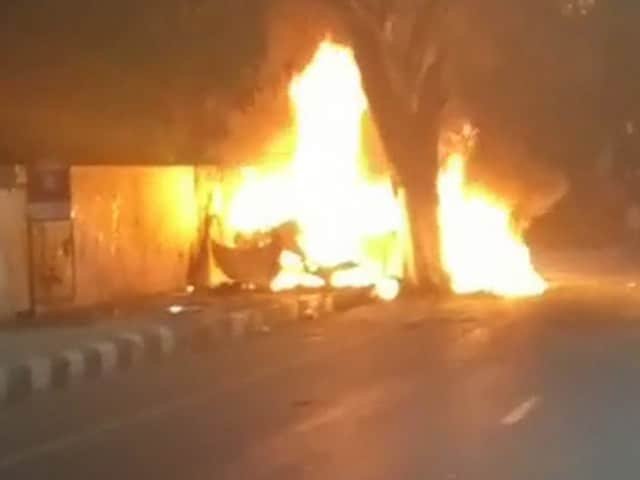 Video : Racing Champ Ashwin Sundar, Wife Die As BMW Hits Tree, Goes Up In Flames