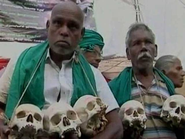 Video : In The Heart of Delhi, A Protest With 12 Skulls