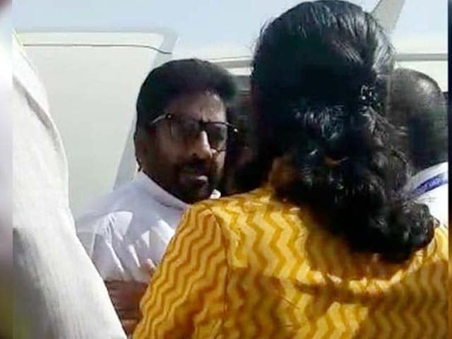 Video : 'Don't, Don't, Don't!' Shiv Sena MP's Assault Of Air India Staffer On Camera