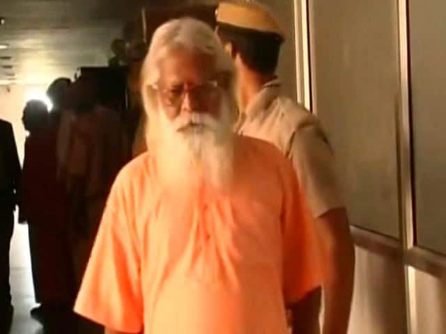 Video : Aseemanand, Samjhauta Blast Accused, To Walk Out Of Jail After 6 Years