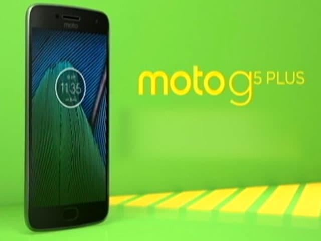 Moto G5 Plus and Team Phillauri on Cell Guru