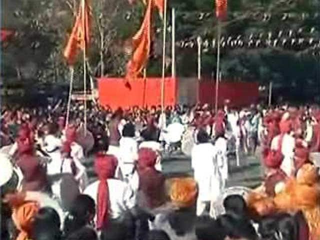 Videos : महाराष्ट्र में गुड़ी पड़वा की रौनक, ढोल मंजीरे के साथ निकलती हैं झांकियां