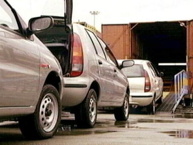 Video : कार कंपनियों को सुप्रीम कोर्ट से झटका, BS-3 गाड़ियों की बिक्री पर ब्रेक