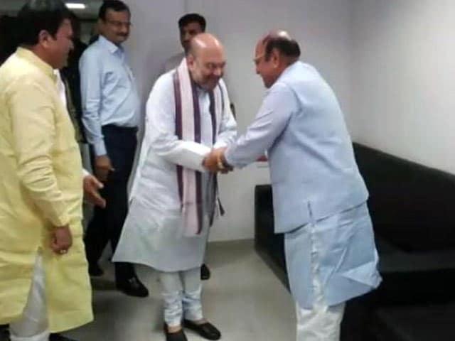Videos : अमित शाह और शंकरसिंह वाघेला ने की चाय पर चर्चा