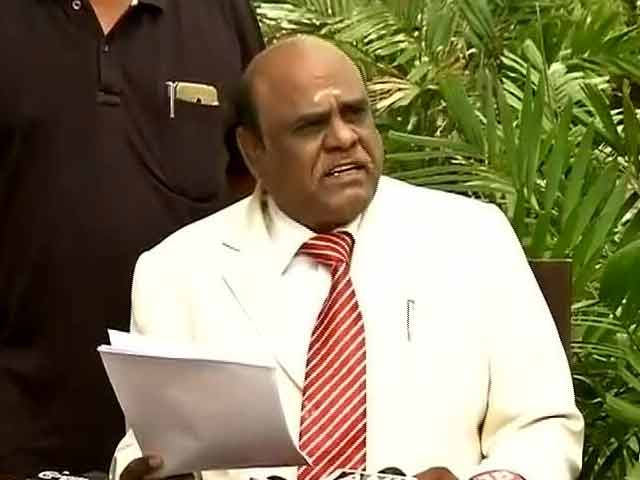 Video : 'Jail Me,' Says Justice Karnan, 'Holds' 7 Top Court Judges In Contempt