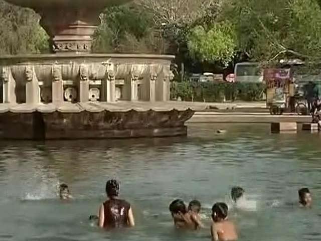 Video : झुलसाती गर्मी : कई शहरों में पारा 40 के पार