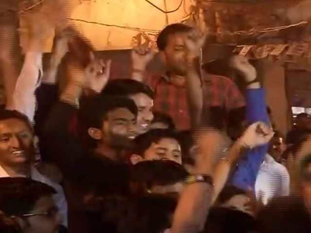 Videos : MCD चुनाव : केजरीवाल की सभा में लगे मोदी-मोदी के नारे