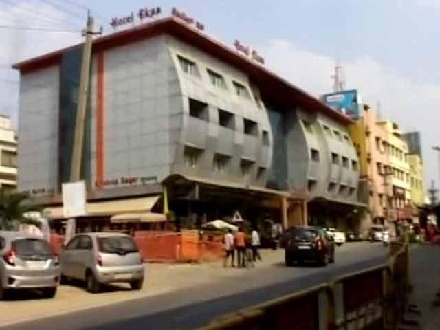 Video : Highway Liquor Ban: 'Pub City' Bengaluru Hit Hard