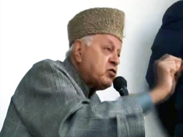 Videos : फारूक़ अब्दुल्ला बोले- पत्थरबाज देश के लिए लड़ रहे हैं