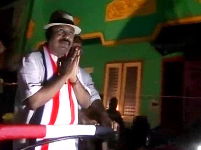 Video : VK Sasikala's Nephew TTV Dinakaran Says 4,000-A-Vote Video Is A Frame-Up
