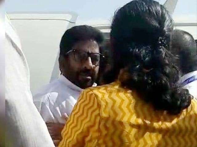 Video : 'Regrets' Accepted, Sena MP Ravindra Gaikwad Can Fly Again, Ban Ends
