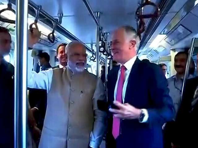 Videos : ऑस्ट्रेलियाई पीएम ने प्रधानमंत्री नरेंद्र मोदी के साथ की मेट्रो ट्रेन की सवारी, सेल्फी भी ली