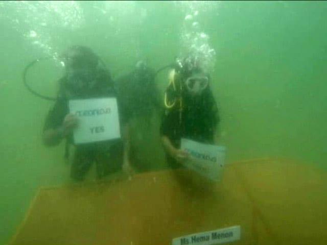 Video : 6 Metres Deep In Arabian Sea, A Meeting Of Top Execs In Diving Gear