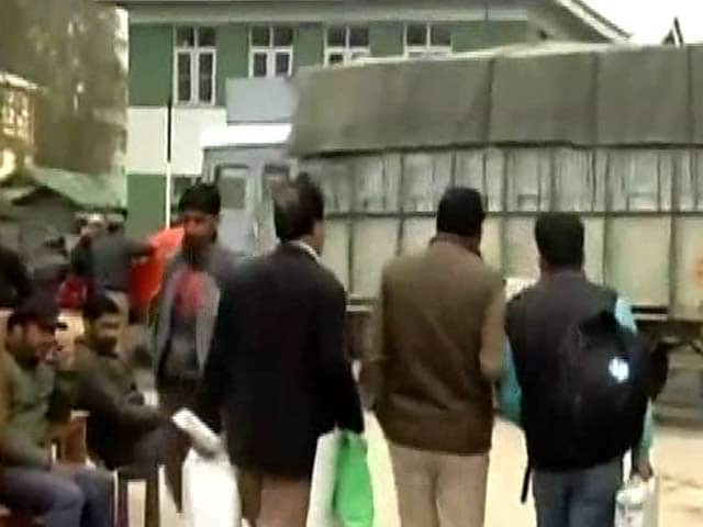 Video : Re-Poll Ordered In 38 Stations In Srinagar On April 13
