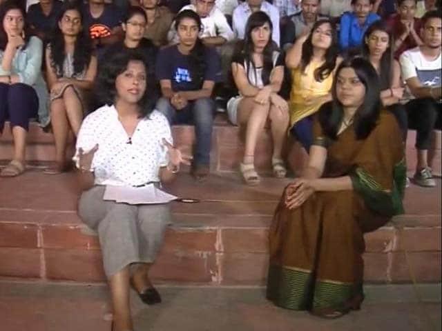 Video : Hindu Vahini And A Meerut Couple