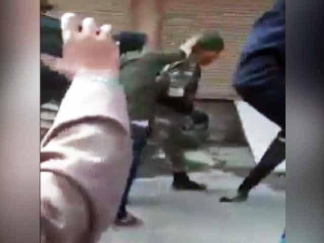 Videos : GOOD EVENING इंडिया : 'कश्मीर में जवानों का संयम देखो'