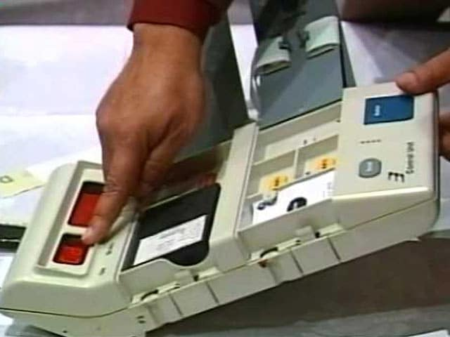 Videos : नेशनल रिपोर्टर : यूपी चुनाव आयोग की मांग - नई EVM दें या बैलेट पेपर से चुनाव की अनुमति दें