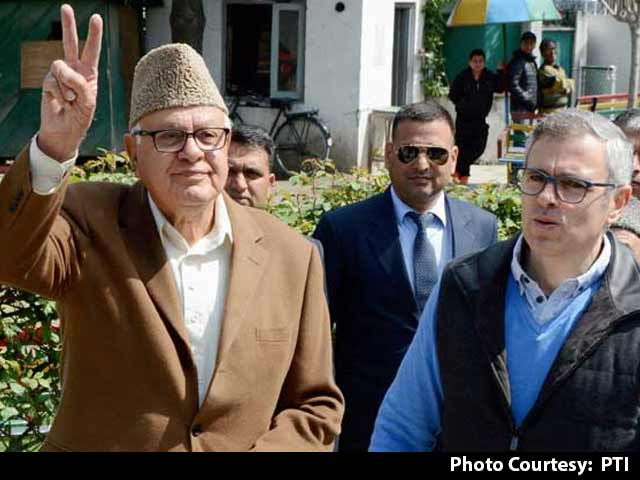 Video : Srinagar By-Election: Farooq Abdullah Beats PDP Candidate In Key Contest