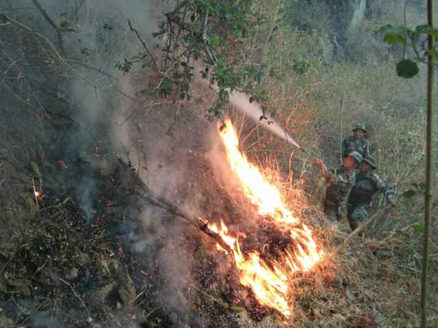 Video : Mount Abu Fire On Day 4, Air Force Has Showered 4 Lakh Litres