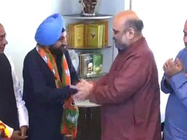 Video : MCD Election 2017: Former Delhi Congress Chief Arvinder Singh Lovely Joins BJP