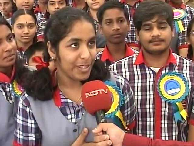 Videos : 'बनेगा स्वच्छ इंडिया कैंपेन' से जुड़े स्कूल के बच्चे
