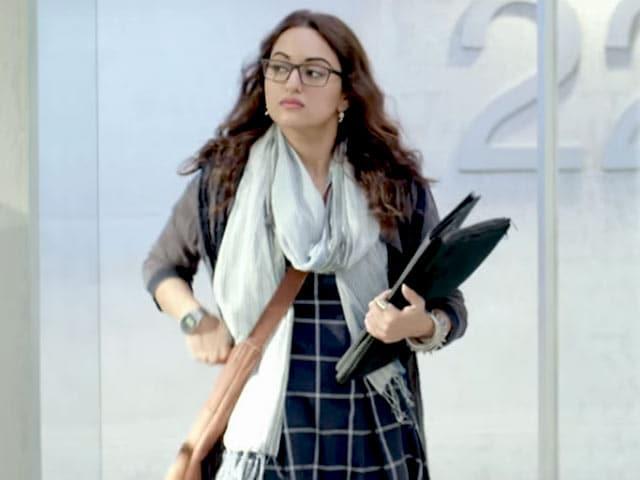 Videos : फिल्म रिव्यू : अच्छे विषय पर कमजोर स्क्रीनप्ले वाली फिल्म है नूर