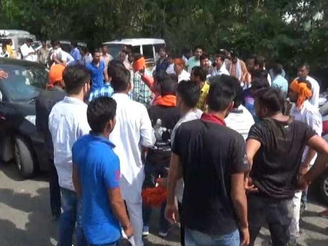 Video : Good Evening इंडिया : सहारनपुर में SSP के घर में तोड़फोड़ को लेकर BJP सांसद पर केस दर्ज