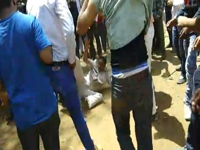 Video : Cop In MP Kicked, Punched. He Was Going To Fine Politician's Relatives
