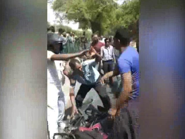 Video : Air Force Man Thrashed In Delhi After His Bike Nudges Car