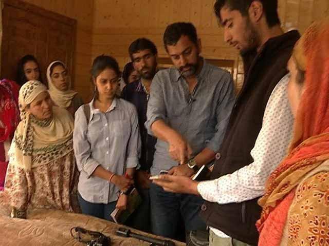 Video : Encounters, Streamed Live: Inside The Dangers Of Kashmir's Social Media Wars