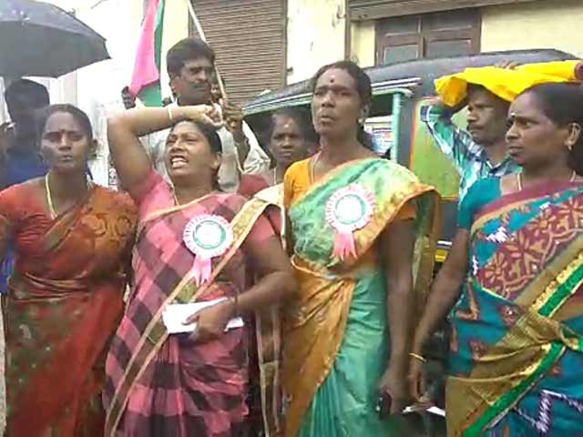Video : Kerala Plantation Workers Want Minister To Go For Comments Against Stir
