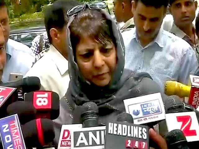 Videos : प्राइम टाइम इंट्रो : क्या दिल्ली के दिमाग में कश्मीर है?