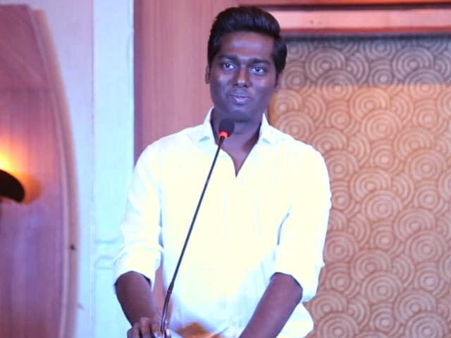 முருகதாஸ் வழியை பின்பற்றும் இயக்குநர் அட்லி