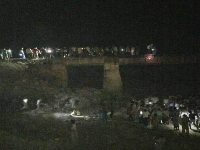 Video : बिहार : सिरारी स्टेशन पर मालगाड़ी ने 8 को कुचला