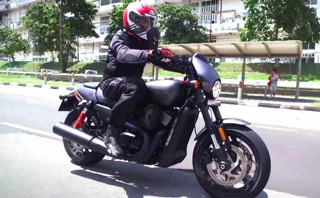 Harley-Davidson Street Rod Review