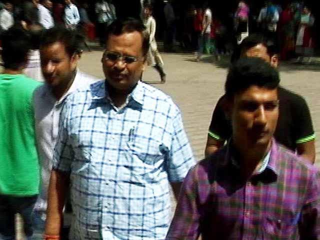 Video : CBI फिर पहुंची दिल्ली सचिवालय, पूर्व स्वास्थ्य सचिव के दफ़्तर पर छापा