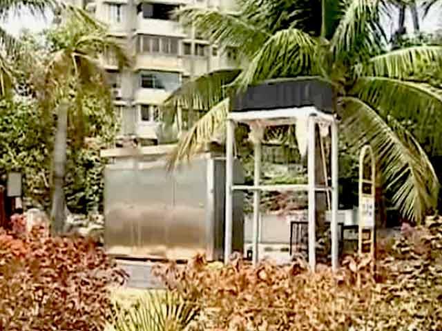 Videos : पब्लिक टॉयलेट के विरोध में सलीम ख़ान और वहीदा रहमान