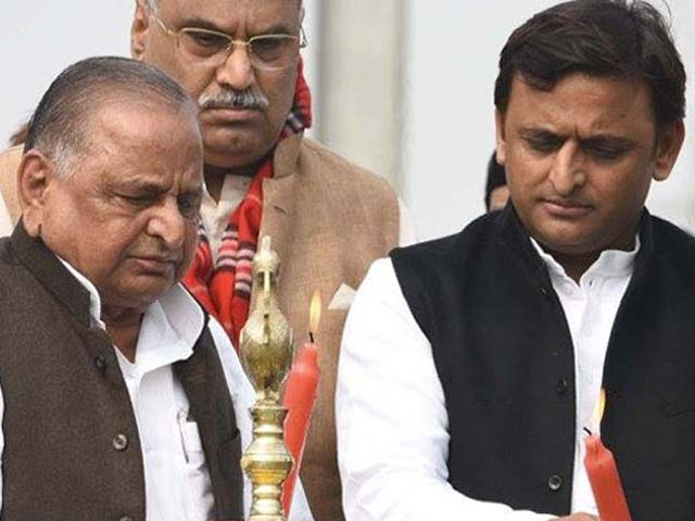 Video : Akhilesh Yadav And Father Mulayam's Separation Appears Official Now