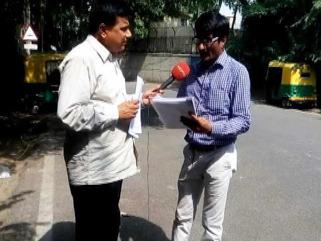 Video : दिल्ली सरकार के मंत्रियों ने 12 विदेशी दौरे किए, RTI के जवाब में मिली जानकारी