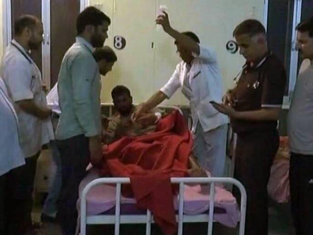 Video : पाकिस्तान ने जम्मू-कश्मीर के नौशेरा सेक्टर में की फायरिंग, एक महिला की मौत