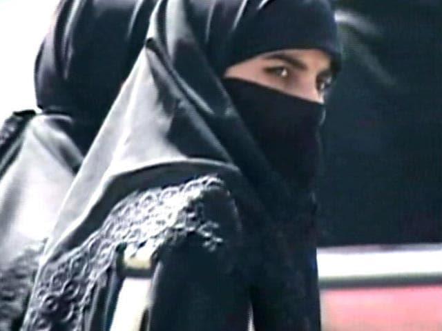Video : Triple Talaq Case: 5 Supreme Court Judges of 5 Faiths Begin Hearings