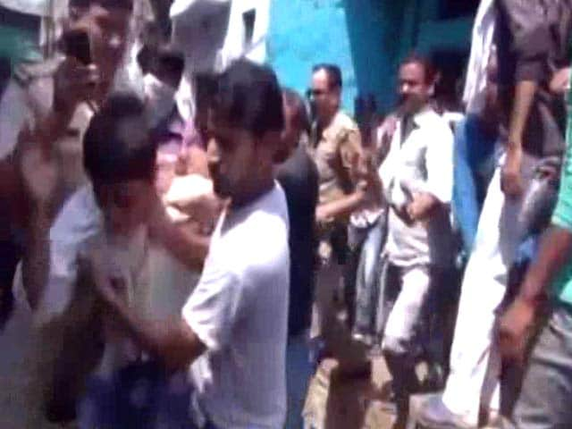 Video : 6 Aligarh Men Thrashed For Skinning Buffalo, Case Against Them, Not Mob
