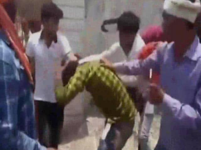 Video : Man Beaten In Ujjain After Cow Torture Rumour. Cops Say Personal Dispute.