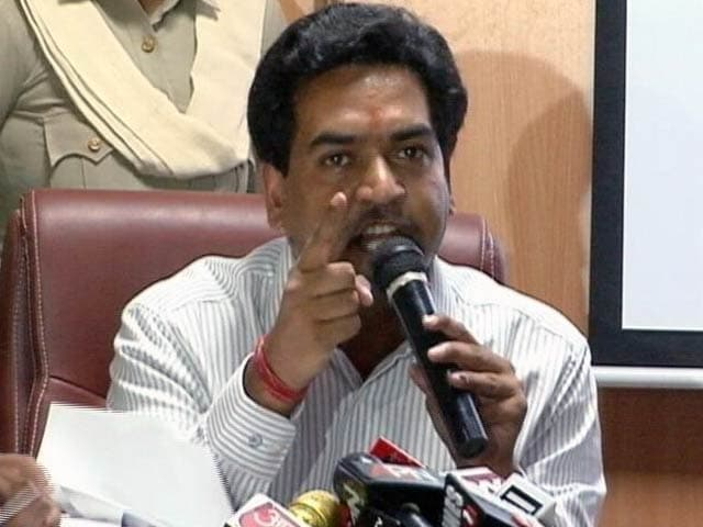 Video : इंडिया 9 बजे : कॉलर पकड़कर जेल तक ले जाऊंगा: कपिल मिश्रा ने केजरीवाल के लिए कहा